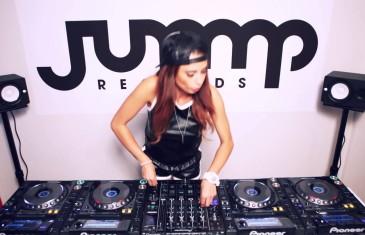 La DJ la plus sexy de l'heure de passage à Montréal
