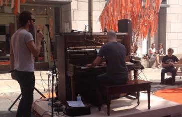 Les pianos publics de Montréal jouent, tout le monde en même temps
