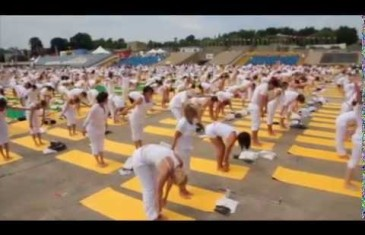 Lolë White Tour: 6 000 yogis se réuniront à Montréal