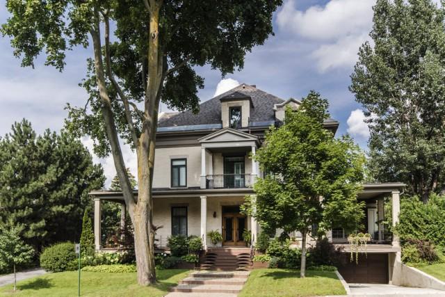 Maison de François Legault à vendre pour presque 5 millions