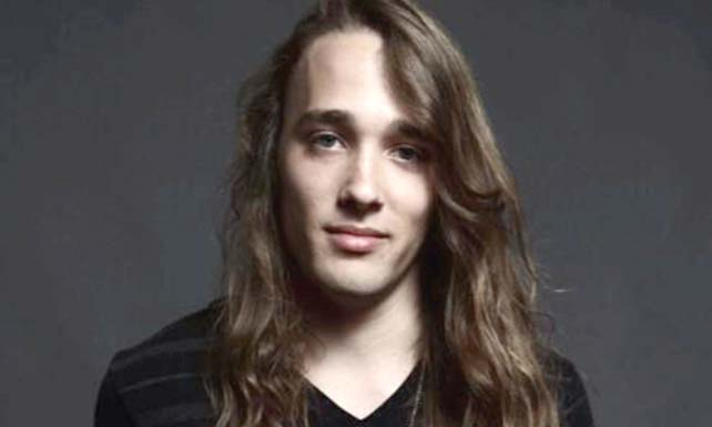 L'Acadien Travis Cormier nouvelle star de La Voix