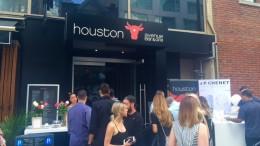 Ouverture du restaurant Houston Avenue Bar & Grill au centre-ville de Montréal