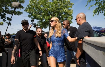 Paris Hilton de passage au Beachclub | photos
