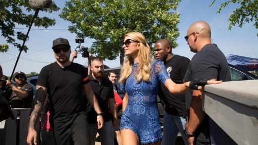 Paris Hilton de passage au Beachclub | photos