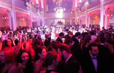 La CHIC soirée Let's Bond connaît un retentissant succès à Montréal