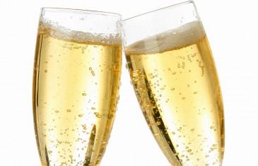 12 restaurants t'offrent un verre de bulles gratuit en retour d'une paire de bas
