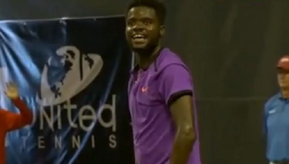 Match de tennis interrompu par des ébats sexuels | Vidéo