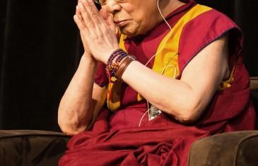 Le Dalaï-Lama de passage au Centre Bell à Montréal