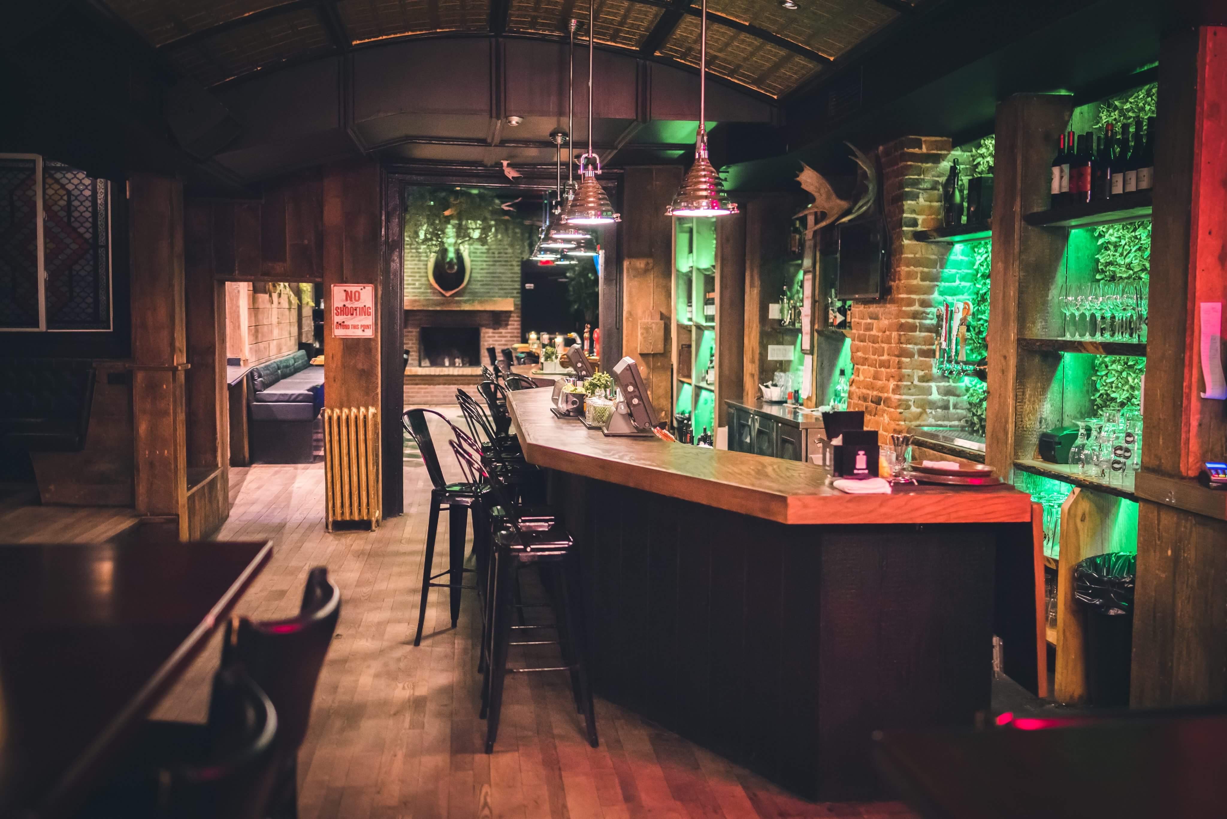 Le Saint-Moose: le nouveau pub gastronomique et festif à Montréal | Photos