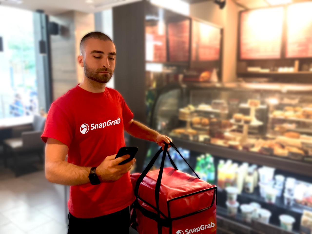 Deux Montréalais fondent SnapGrab une application de livraison | Vidéo