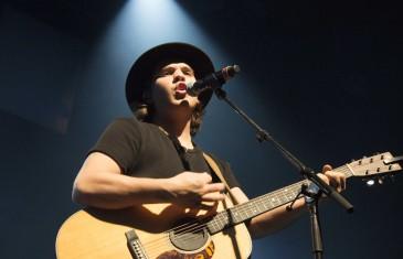 Première médiatique à Montréal du gagnant de La Voix Ludovick Bourgeois | Photos