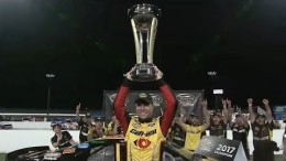 Le premier québécois de l'histoire à participer à temps plein dans la série NASCAR XFinity aux États-Unis | Vidéo
