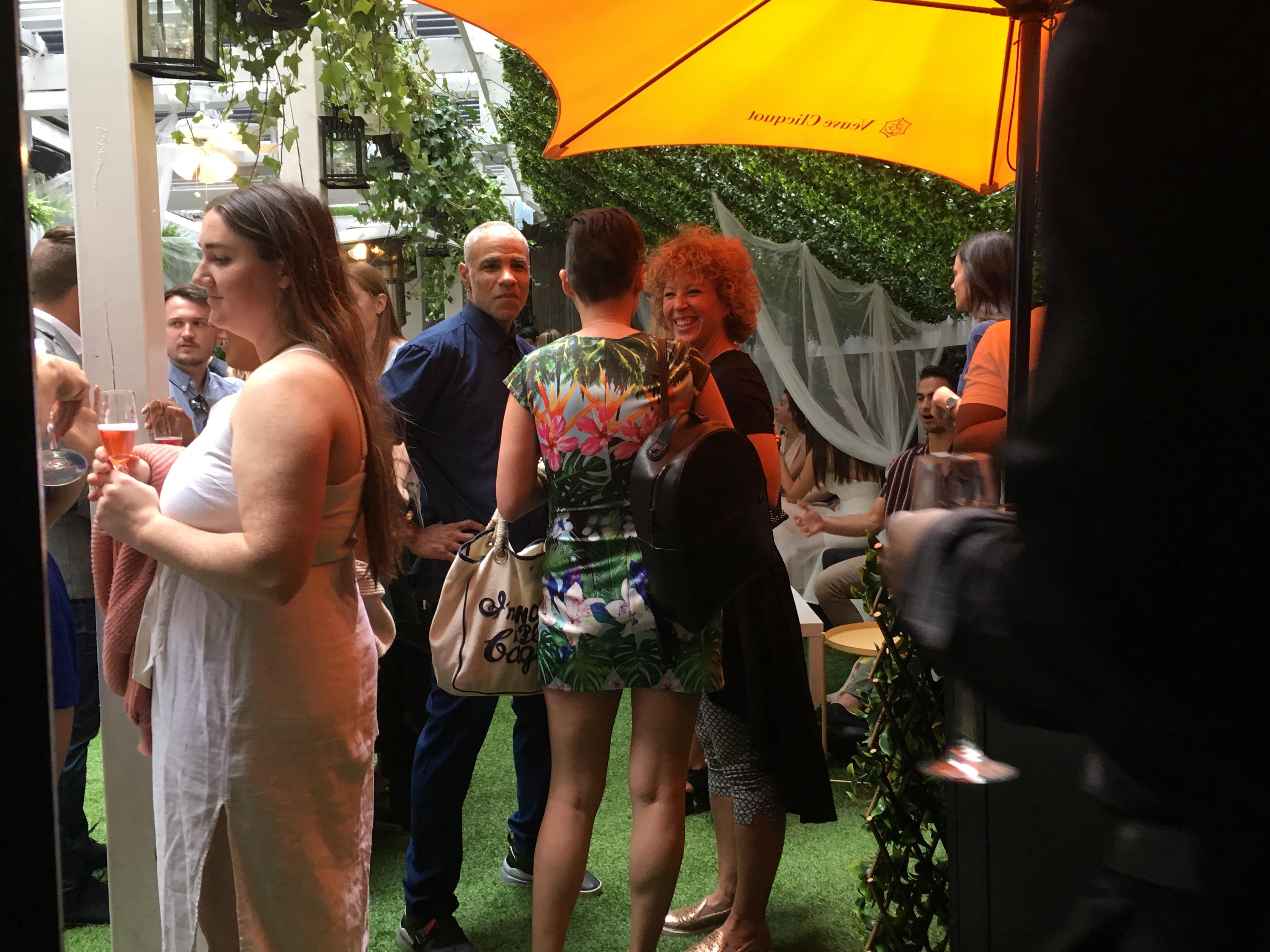 Un jardin de champagne cet été dans le Vieux-Montréal