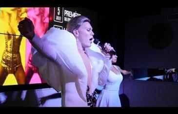 Vidéo | Le personnificateur de célébrités Jimmy Moore en spectacle
