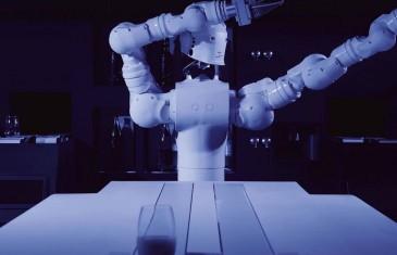 Le 1616: un nouveau restaurant hautement technologique avec un robot comme barman