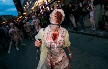 La populaire Marche des Zombies a lieu le 27 octobre à Montréal