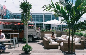 Riva: la nouvelle terrasse inspirée de la Côte d'Azur dans le Vieux-Port de Montréal