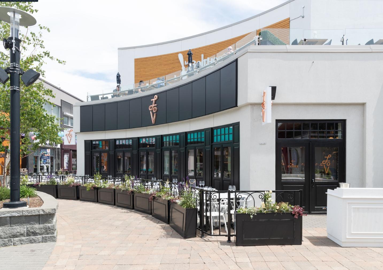 Un nouveau restaurant LOV ouvre au Quartier DIX30 à Brossard