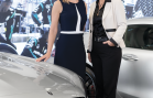 Deux femmes aux commandes de Mercedes-Benz Laval