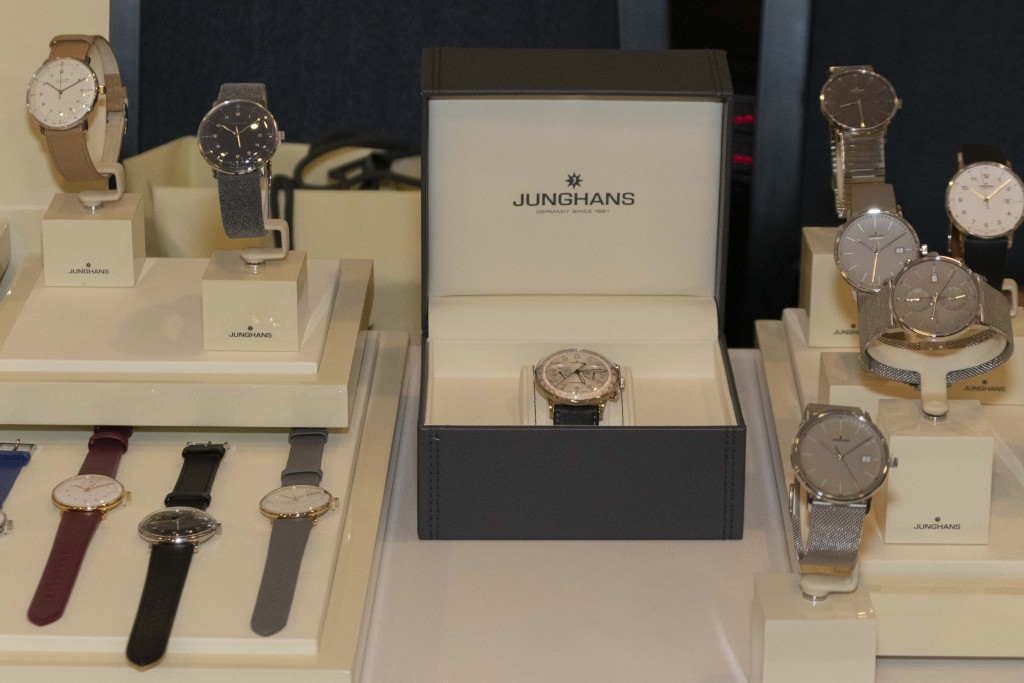 salon-horloge-127