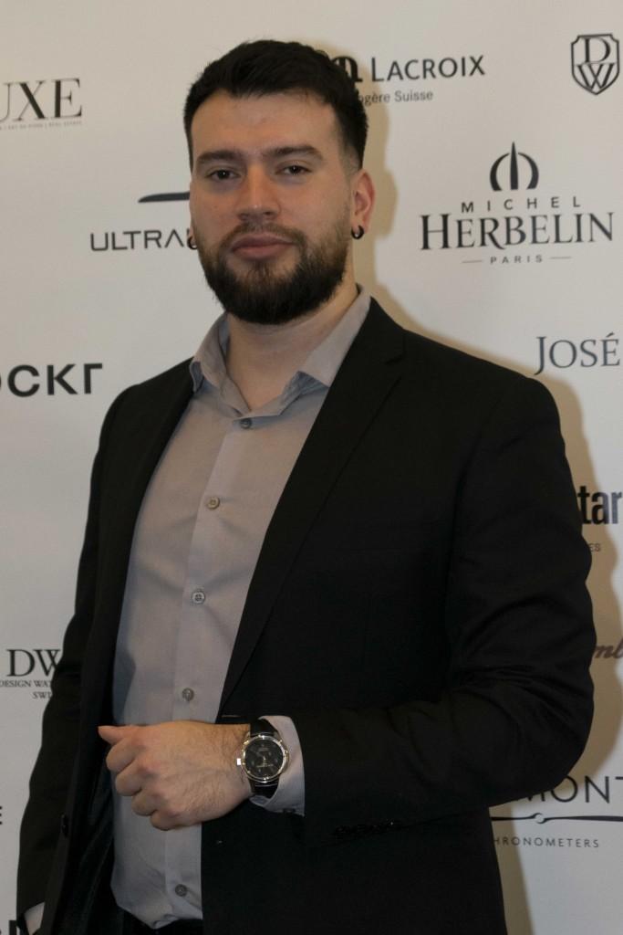 salon-horloge-200