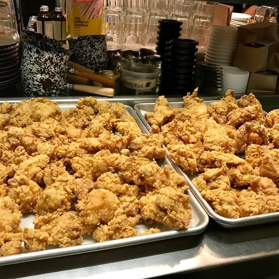 Le restaurant Mon Petit Poulet fête son premier anniversaire avec une journée Poulet Frit à 1$
