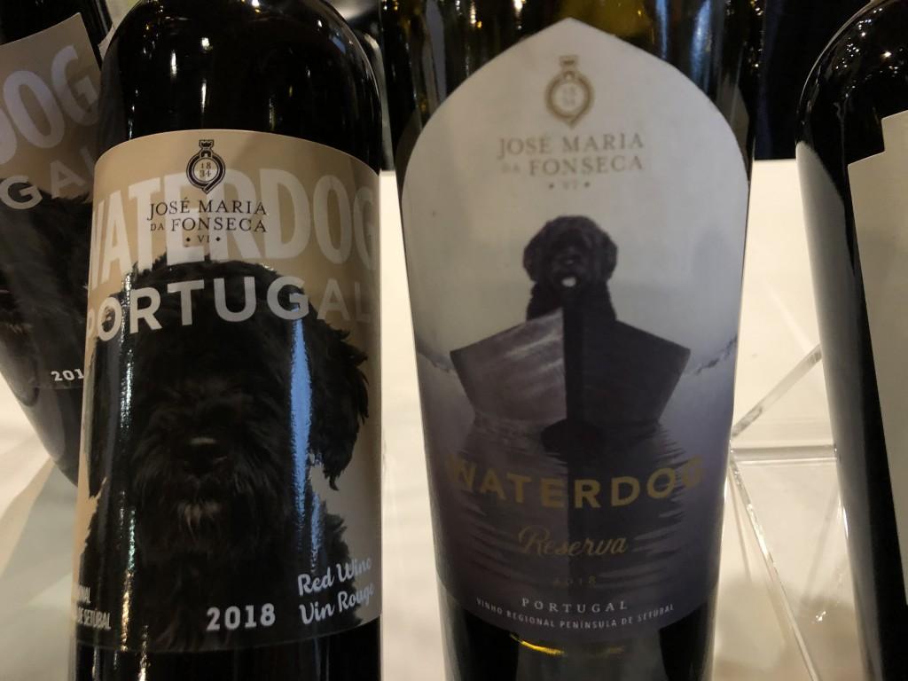 Bientôt disponible à la SAQ (bouteille à droite)