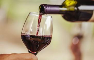 Tu peux maintenant acheter en ligne du vin des restaurateurs du Québec