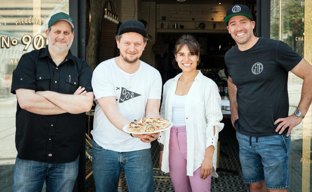Vidéo   Une pizza réconfortante pour venir en aide aux travailleurs de la restauration