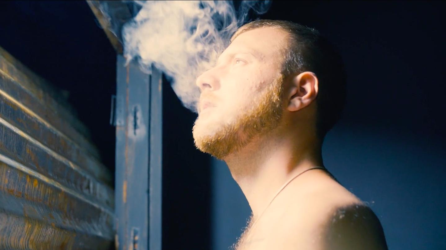 Des éloges et une percée internationale pour le premier film de Hugo Rozon