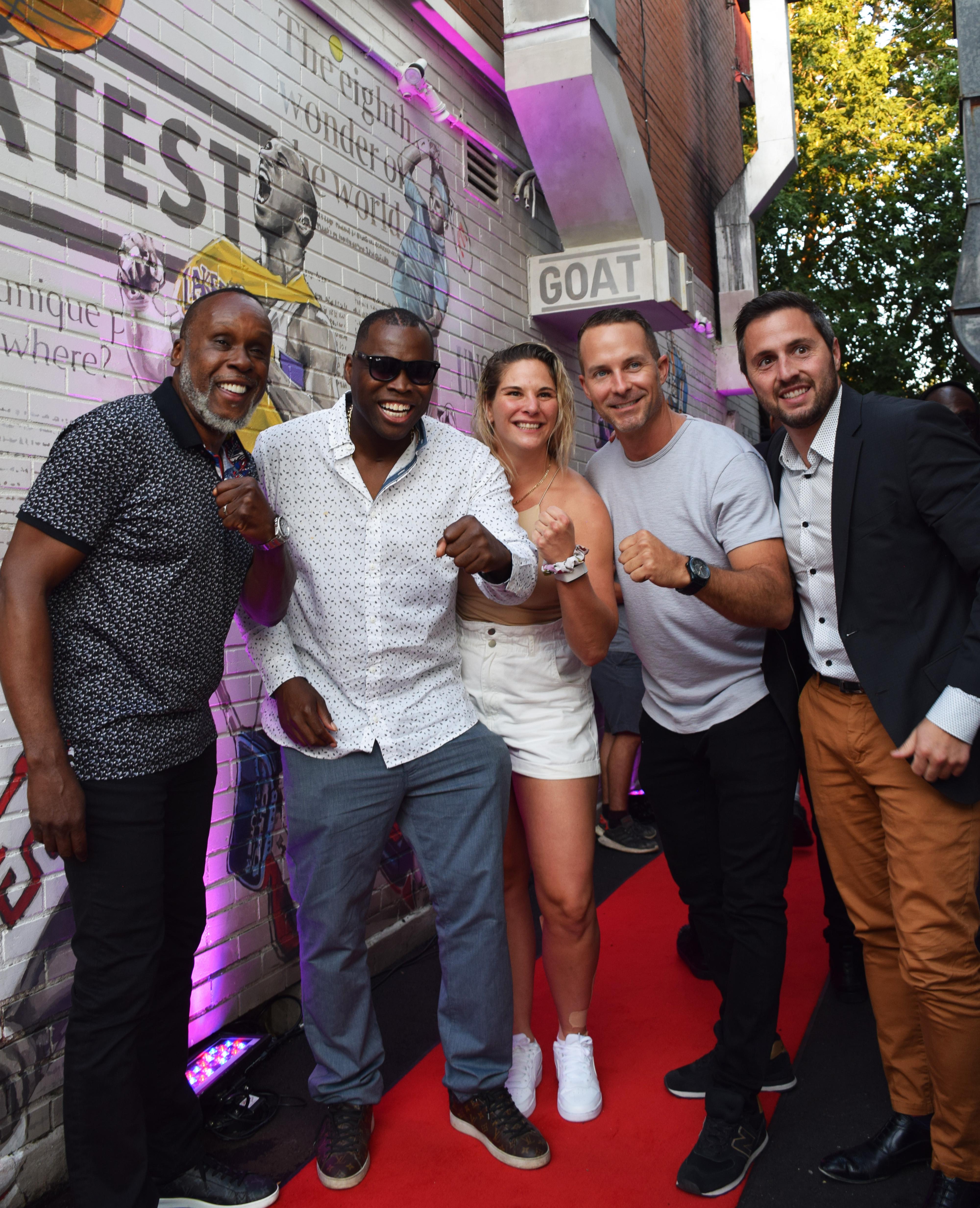 Plusieurs personnalités sportives à l'ouverture du nouveau restaurant G.O.A.T. Grill à Montréal