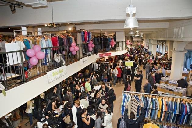 C'est le retour de la Grande Braderie de Mode Québécoise au Marché Bonsecours
